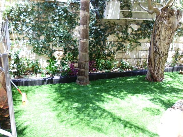 סיום גינה 100 מטר דשא סינטטי בזכרון יעקב