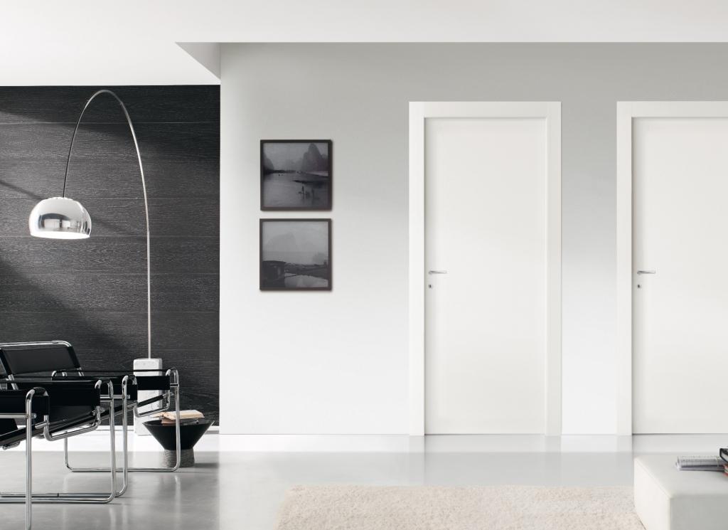 דלת ״איזי״ צבע לבן  המראה הנקי